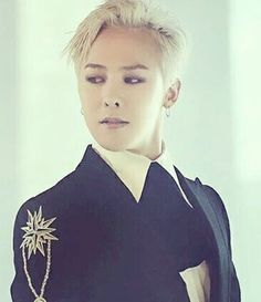 Admire the holy dragon ♚ #BIGBANG #GD I hope he is a good dragon, not a bad one I would have to slay! Oh holy is spelled with only 1 L, Like in LOVE!                                                                                                                                                                                 More