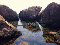 """Sant'Alessio (ME) - Dietro Capo Sant'Alessio c'è la zona delle cosiddette """"piscinette"""", con acqua sempre ferma e trasparente   da Lorenzo Sturiale"""