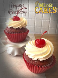 Red Velvet Cupcakes, Make A Wish, Custom Cakes, Yummy Cakes, How To Make Cake, Cake Decorating, Special Occasion, Birthdays, Treats