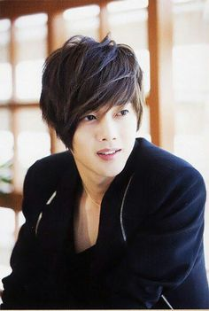 Such a lovely face! Kim Hyun-Joong best known as Yoon Ji-Hoo from Boys over Flowers. F4 Boys Over Flowers, Boys Before Flowers, Kim Bum, Korean Star, Korean Men, Asian Actors, Korean Actors, Korean Dramas, Park Hyun Sik