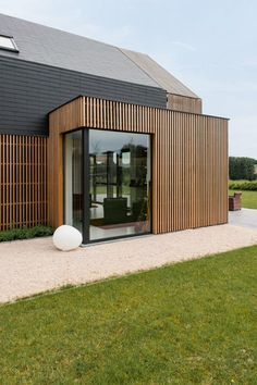Ideas for exterior cladding ideas architecture house extensions Timber Battens, Timber Cladding, Exterior Cladding, Cladding Ideas, Roof Cladding, Cladding Panels, Wood Architecture, Residential Architecture, Architecture Details