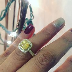 All of the lights for our illuminating future togetheR  Beautiful yellow diamond engagement ring ready for a Christmas proposal!  #yellow #yellowdiamond #citrine #diamondring #engagementring #lights #shinebright #proposal #engagementring #unique #oneofakind #christmaseve #nodaysoff #newyorkcity #california #theknot #howheasked #wedding #bridetobe #isaidyes #shesaidyes #beautiful #happy #couple #relationshipgoals #love #marryme #superphoto #holidays