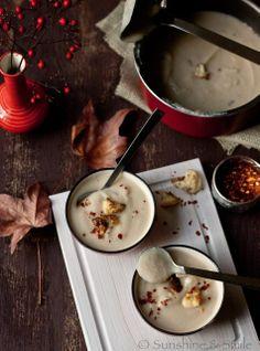 creamy cauliflower soup (use earth balance & non-dairy milk)
