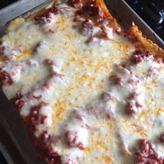 Hot sausage lasagna Sausage Lasagna, Hot Sausage, Grubs, Hawaiian Pizza, Main Meals, Casseroles, Sandwiches, Recipes, Food