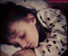 Laura dormindo ☼