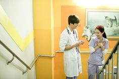 """""""Emergency Couple"""" Episode 18 19 Scaps And Official Stills Song Ji Hyo Drama, Emergency Couple, Behind The Screen, Choi Jin Hyuk, Medical Drama, Funny Scenes, Pride And Prejudice, Drama Movies, Lee Min Ho"""