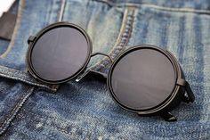 Que tesão esse óculos: THE TARANTINOFrete Grátis | UV400 | R$150BAMM.com.br