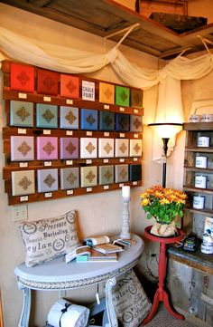 Color display of Chalk Paint® decorative paint by Annie Sloan - Shades of Amber