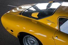 Die Giotto-Bizzarini-Story Text & Fotos: Jan Baedeker Produktion: J. Philip Rathgen American Showbizz: Für Ferrari, Lamborghini und Iso hatte Giotto Bizzarini als Ingenieur wahre Wunder vollbracht, doch 1965 kam der Befreiungsschlag in Form des brachialen Bizzarrini 5300 GT. Classic Driver war mit dem italienischen Achtzylinder-Rennwagen im amerikanischen Le Mans-Outfit unterwegs – und hat dabei die Geister einer rasanten Epoche erweckt.