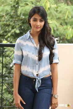Indian Bollywood Actress, Indian Actresses, Samantha Pics, South Actress, Most Beautiful Indian Actress, Girls Jeans, Actress Photos, Celebrities, Sexy