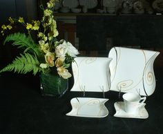 Dinnerware set with decal