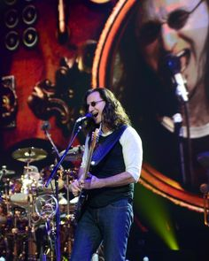 GEDDY Rush Band, Geddy Lee, Alex Lifeson, Neil Peart, Bass, Police, Catalog, Artists, Queen