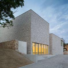 http://www.archidesignclub.com/magazine/rubriques/architecture/47467-von-m-musée-luthers-sterbehaus.html