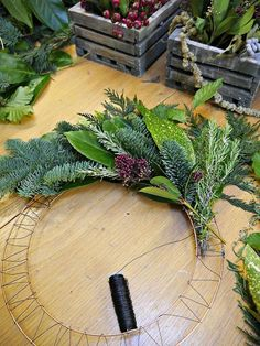 Some cheap ideas for Christmas Tree Projects - Christmas season is just around the corner and you may also have started some Christmas preparations. So have you thought of Christmas tree projects o. wreaths Some cheap ideas for Christmas Tree Projects Stick Christmas Tree, Christmas Wreaths To Make, Christmas Flowers, Autumn Wreaths, Noel Christmas, How To Make Wreaths, Holiday Wreaths, Christmas Projects, Christmas Ornaments
