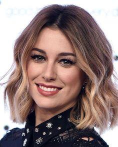 Medium Wavy Hairstyles - Best Short Wavy Hairstyles For Women: Cute Short Haircuts For Wavy Hair Girls #wavyhair #shorthair #shortwavyhairstyles #wavyhairstyles #shorthaircuts #womenshairstyles
