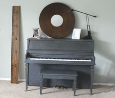 A piano makeover with Graphite Chalk Paint® decorative paint by Annie Sloan | By Brooklyn Berry Designs