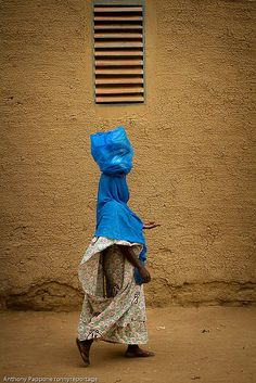 women in the alleys of Djenne, sahel, mali by anthony pappone photographer, via Flickr