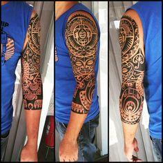 3/4. #maoritattoo #maori #polynesian #tattoomaori #polynesiantattoos #polynesiantattoo #polynesia #tattoo #tatuagem #tattoos #blackart #blackwork #polynesiantattoos #tribal #guteixeiratattoo #goodlucktattoo #tribaltattooers