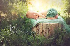 Outside-Newborn-Photography