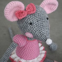 Crochet Pattern Free Mouse : 1000+ images about Crochet Mice on Pinterest Mice ...