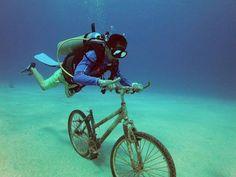 Estoy hecho un lío.. ¿por qué no anda esta bici? #alquilar #gopro #bucear #bicicleta