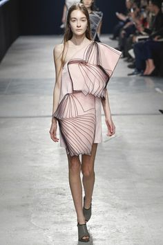 An architectural delight from Christopher Kane London Fashion Week