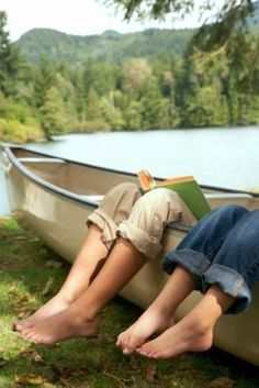 Great place to read a book. Fresh air, pine trees, a beautiful lake.................