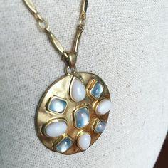 Pendentif TALA A Shopper sur mon site ( lien dans ma bio ) http://ift.tt/1P5gAbZ http://ift.tt/1lmkJx3 @sophiemersy_stylist_stelladot . . . #stelladot#stelladotfr #stellaanddot #stelladotstyle#bijou #accessoire #collier#bracelet#boucledoreille #instasmile #instamode #mode#fashion#stelladotstylist#vdi#stelladotfrance #bijoux#accessoires#mode