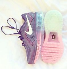 running shoes online,all goods are discount more than 70%,the shoes,I feel so nice!I am very happy this running shoes store.