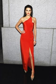 - Teen Vogue - Celeb: Kendall Jenner Dress: Romona Keveza dress > Check Out This Week's Best Dressed Celebs Teen Vogue, Slep Dress, Evening Dresses, Prom Dresses, Formal Dresses, Dress Prom, Club Dresses, Beautiful Dresses, Nice Dresses