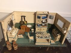 Alte Puppenstube Puppenküche um 1920 Schrank Tisch Küchenschrank Rarität! | eBay