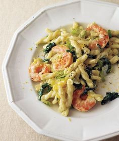 Shrimp, Leek, and Spinach Pasta | Need some quick dinner ideas? Try one of these speedy recipes that take just 15 minutes or less of hands-on work.