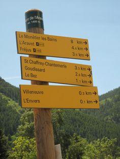 La signalétique des sentiers à Serre Chevalier. Path signs in Serre Chevalier http://www.serre-chevalier.com/ete/activites/randonnee-pedestre/randonnee/