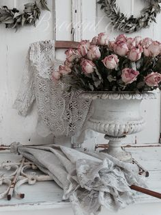 8 Efficient Tricks: Shabby Chic House Heart shabby chic farmhouse home tours.Shabby Chic Crafts Box shabby chic home rustic. Shabby Chic Veranda, Shabby Chic Porch, Shabby Chic Vanity, Style Shabby Chic, Shabby Chic Fabric, Shabby Chic Curtains, Shabby Chic Crafts, Shabby Chic Interiors, Shabby Chic Pink