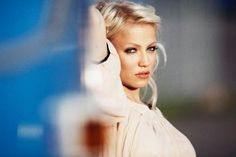 Finnish artist Chisu, style icon and singer songwriter
