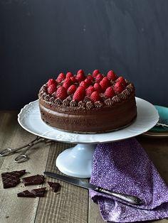 Pradobroty: Dort s kakaovo-mandlovým korpusem a čokoládovým kr. Baking Cupcakes, Sweet Treats, Goodies, Food And Drink, Strawberry, Kids, Bebe, Kuchen, Sweet Like Candy