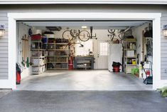 Garage Cleaning – Here we have Some of the Simple Tips To Clean Your Garage. DIY Garage cleaning. You can also utilize the cleaning company. Diy Flooring, Flooring Options, Flooring Ideas, Design Garage, House Design, Garage Plans, Garage Doors, Garage Boden, Garage Floor Coatings