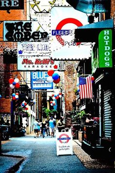 Printers Alley, Nashville, Tennessee - A small alley filled with blues clubs