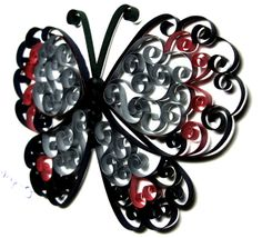 MY Designs - paper quilling Not mine lg but not sure who so… Toilet Paper Roll Art, Toilet Paper Roll Crafts, Cardboard Crafts, Diy Paper, Quilling Patterns, Quilling Designs, Quilling Butterfly, Butterflies, Paper Towel Roll Crafts