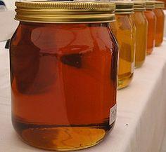 Agua con miel para el vomito
