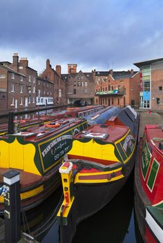 At The Gas Street Canal Basin Part Of Birmingham-Worcester Canal.♔..
