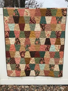 Perfecting Sew A T-shirt for Men Ideas. Immaculate Sew A T-shirt for Men Ideas. Vintage Quilts Patterns, Scrap Quilt Patterns, Sewing Basics, Sewing For Beginners, Tumbler Quilt, History Of Quilting, Fall Quilts, Quilt Sizes, Mini Quilts