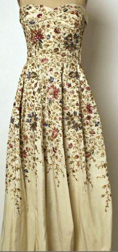 House of Balmain 1953 Southwest Style, Balmain, Formal Dresses, House, Fashion, Dresses For Formal, Moda, Formal Gowns, Home