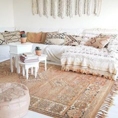 22 Super Interiors with Moroccan Rugs interiordesignsho. - 22 Super Interiors with Moroccan Rugs interiordesignsho… 22 Super Interiors with Moroccan Rugs in - Modern Moroccan Decor, Moroccan Decor Living Room, Moroccan Room, Moroccan Home Decor, Moroccan Interiors, Living Room Decor, Moroccan Bathroom, Moroccan Lanterns, Moroccan Tiles