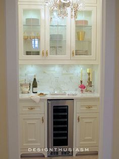 10 Gorgeous Elements to Add French Style to the Butler's Pantry-I recently converted a storage closet into my dream butler's pantry. Here are my 10 elements for a FRENCH STYLED BUTLER'S PANTRY Pantry Design, Kitchen Design, Kitchen Decor, Kitchen Ideas, Petits Bars, Closet Remodel, Butler Pantry, Closet Storage, Wardrobe Storage