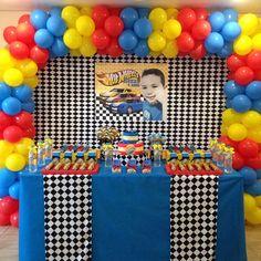 Morning ! E quem disse que festa em casa não pode ser muito legal? Tudo fofo e personalizado! #partydecor #festainfantil #hotwheels #decoracaoinfantil #aniversarioinfantil #temahotwheels #festademenino #festahotwheels #papelariapersonalizada #decoracao #personalizados #scrap #scrapfesta #scrapfestas #festa #festamenino #hotwheelsparty Hot Wheels Birthday, Race Car Birthday, Cars Birthday Parties, 5th Birthday, Festa Hot Wheels, Hot Wheels Party, Crafts, Pasta, Industrial Kids Decor