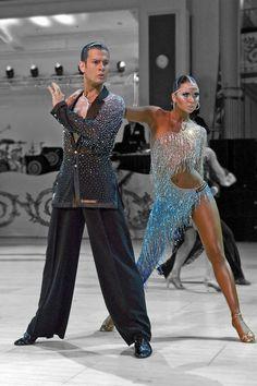 Nicole Gynga - Dress by Flashdance Atelier