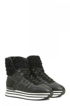 Hogan Damen Hightop Sneaker H483 Schwarz | SAILERstyle All Black Sneakers, High Top Sneakers, High Tops, Shoes, Fashion, Velvet, Leather, Women's, Moda