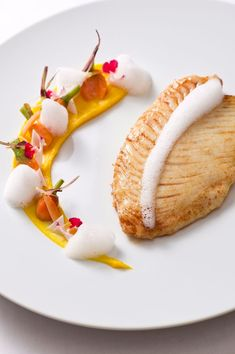 St Pierre Carrot and Coconut … The art of preparing and presenting a plate like a chef in gastronomy …> visionsgourmandes … > Frango Bacon, Gourmet Recipes, Cooking Recipes, Gourmet Desserts, Gourmet Foods, Plated Desserts, Keto Recipes, Healthy Recipes, Masterchef