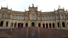 MÜNCHEN - Im Maximilianeum paukt die Elite !